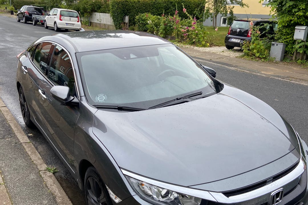 Billig billeje af Honda Civic med GPS nær 6000 Kolding.