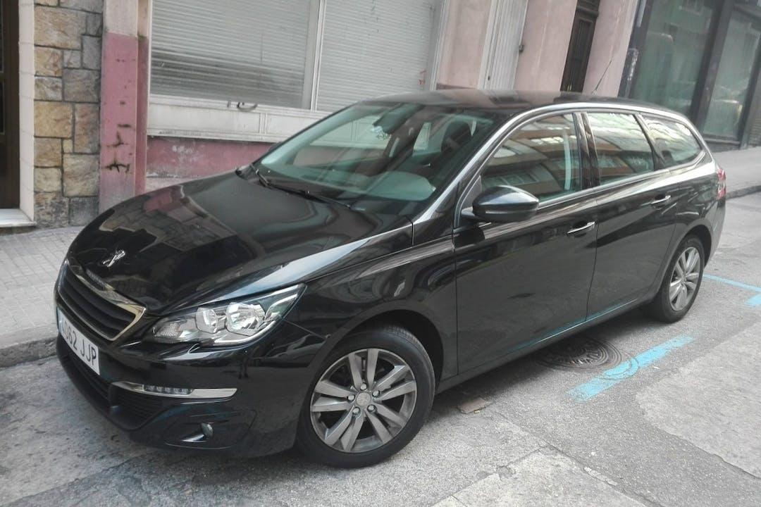Alquiler barato de Peugeot 308 SW con equipamiento Bluetooth cerca de 15002 A Coruña.