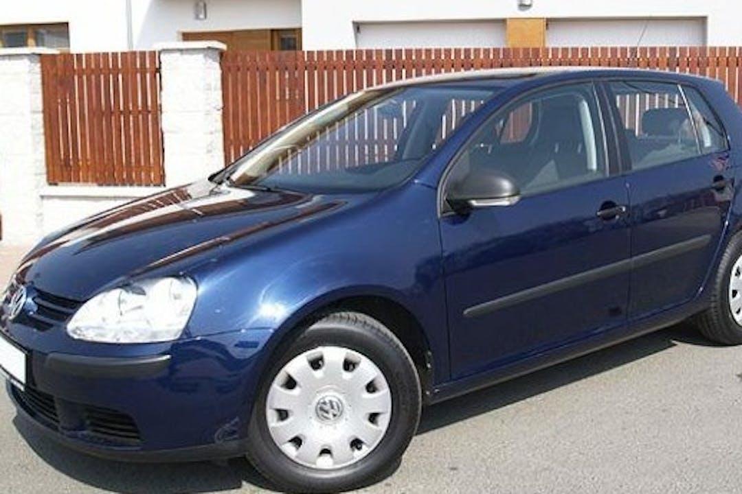 Alquiler barato de Volkswagen Golf cerca de 07740 Menorca.