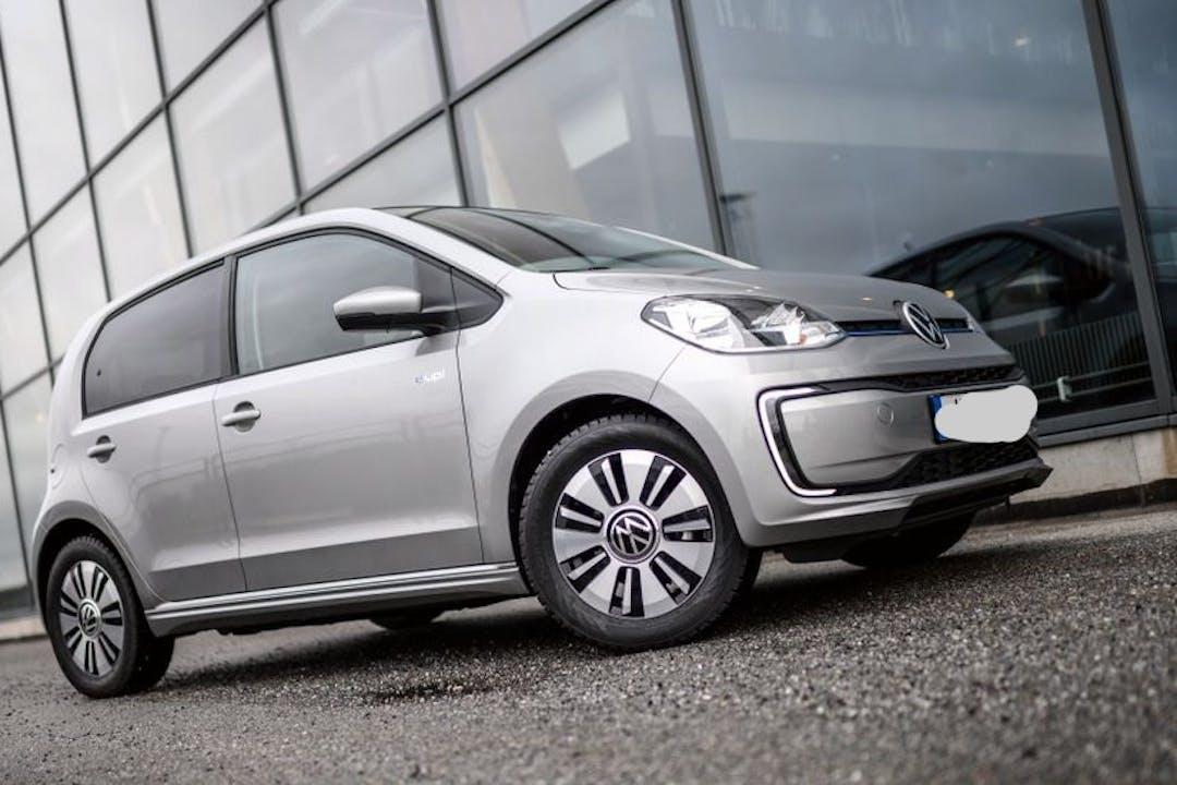 Billig biluthyrning av Volkswagen UP! med GPS i närheten av 754 71 Uppsala Ö.