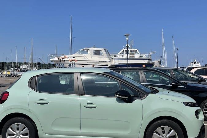 Billig billeje af Citroën C3 med GPS nær 3000 Helsingør.