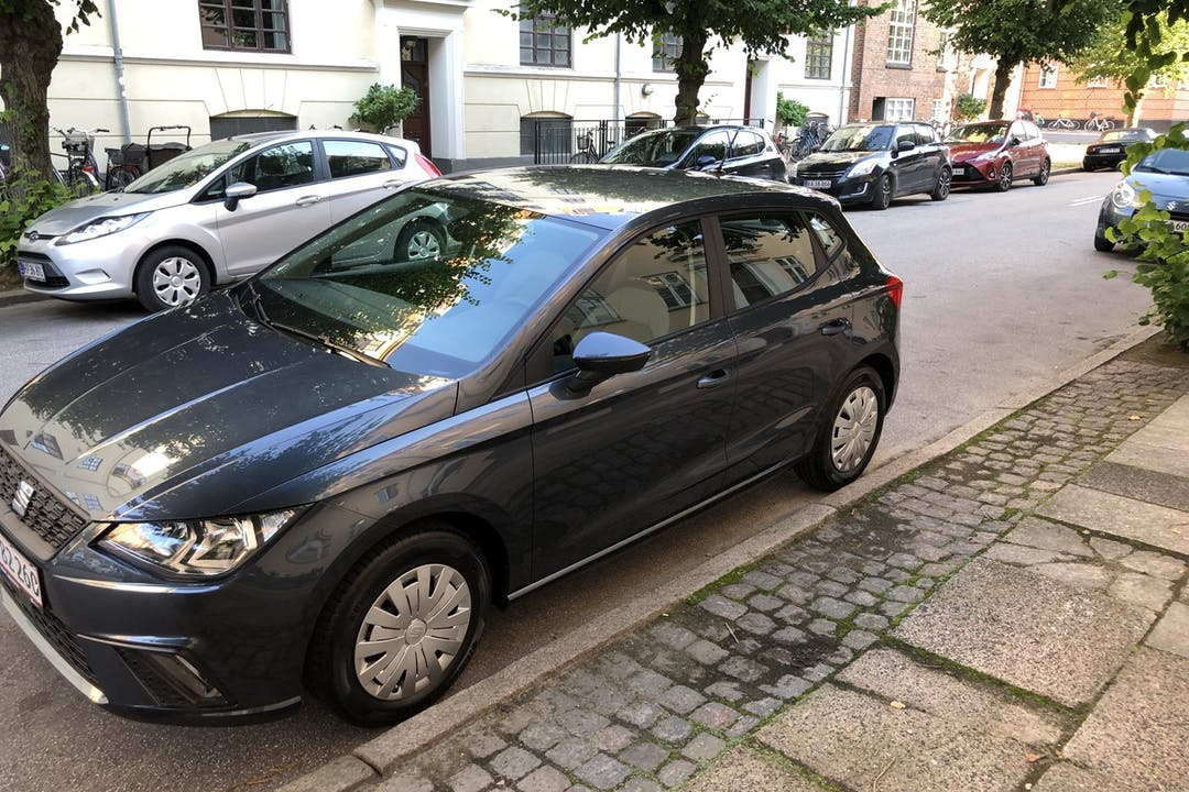 Billig billeje af Seat Ibiza med Isofix beslag nær 2100 København.