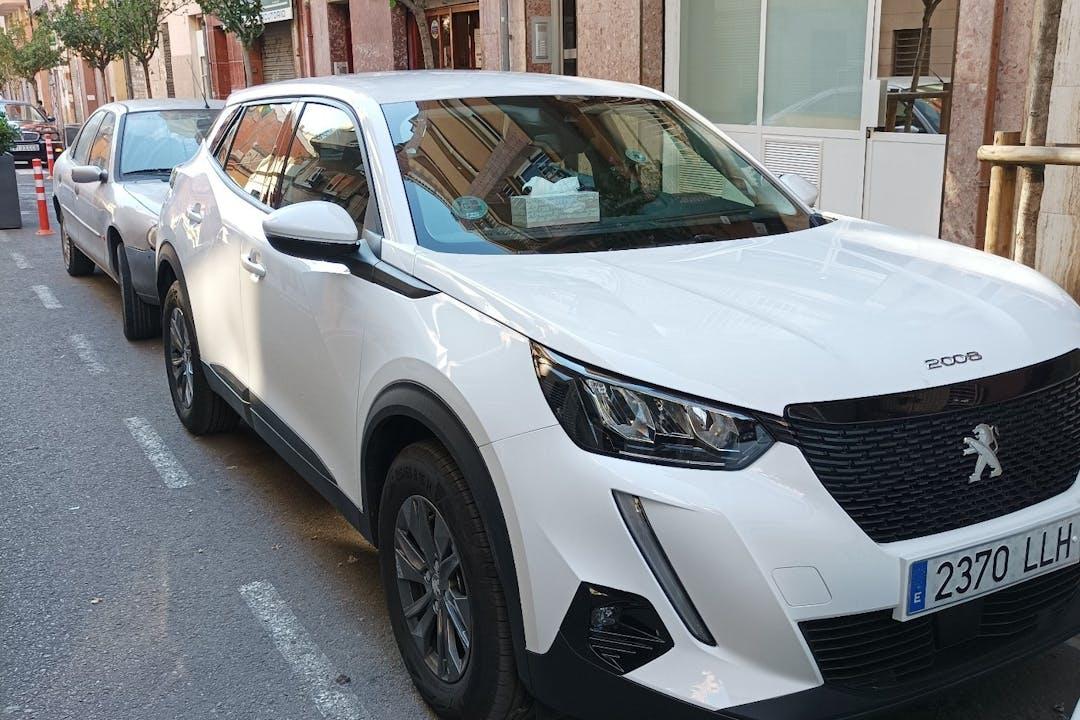 Alquiler barato de Peugeot 2008 cerca de 08901 L'Hospitalet de Llobregat.