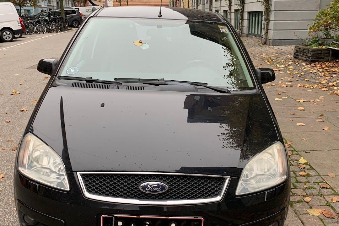 Billig billeje af Ford Focus C-Max nær 2200 København.