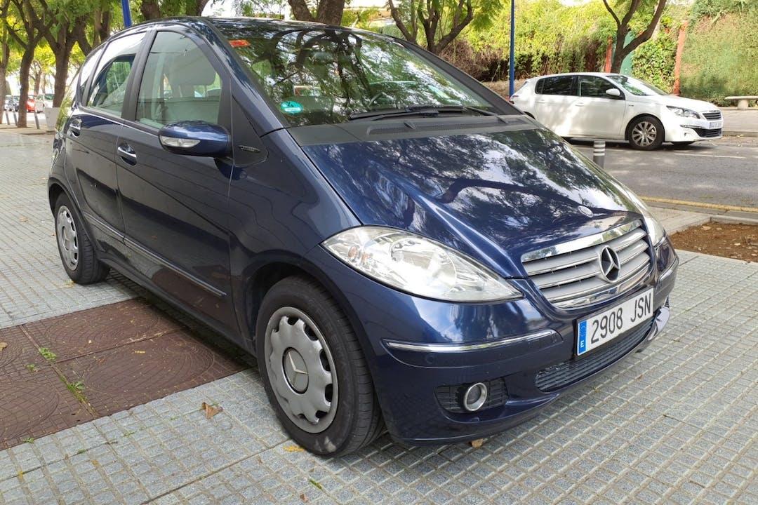 Alquiler barato de Mercedes A-Class cerca de 41002 Sevilla.