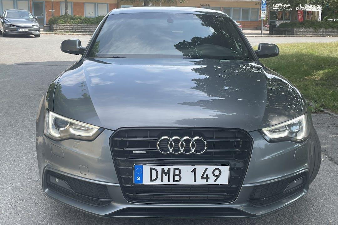 Billig biluthyrning av Audi A5 Sportback med GPS i närheten av  .