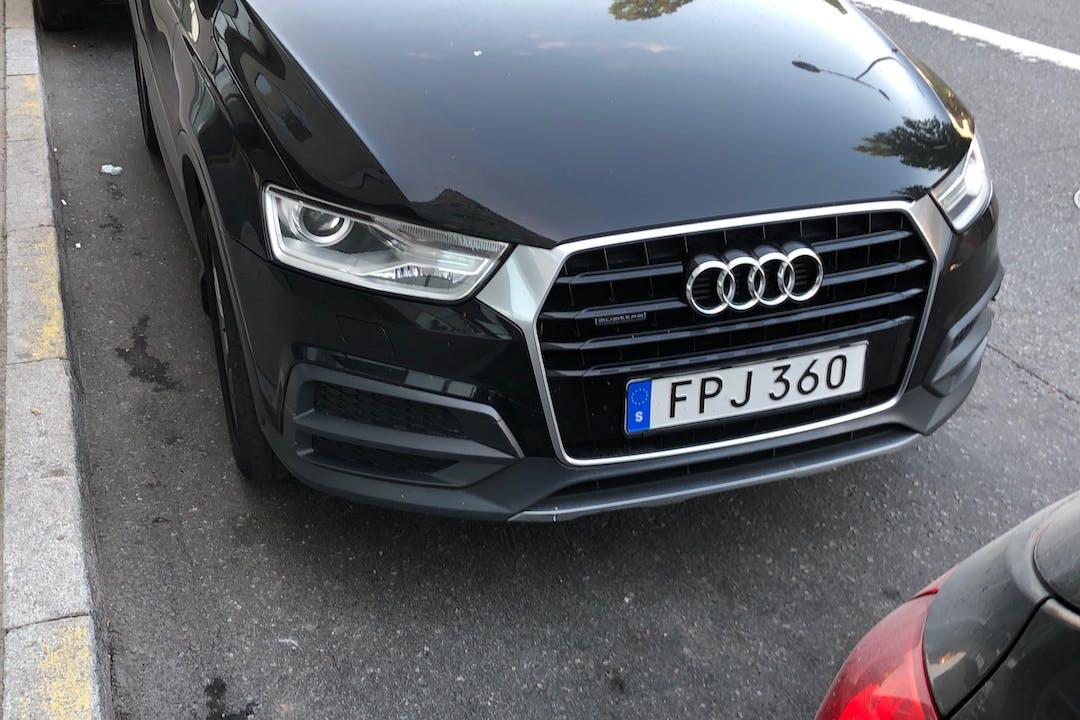 Billig biluthyrning av Audi Q3 i närheten av 129 46 Hägersten-Liljeholmen.
