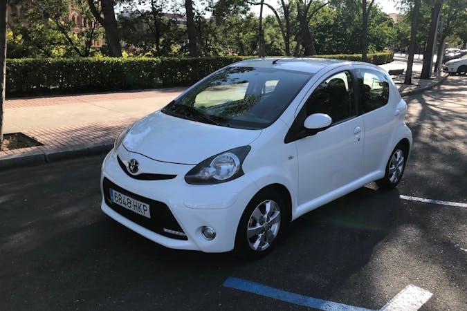 Alquiler barato de Toyota AYGO cerca de 28027 Madrid.