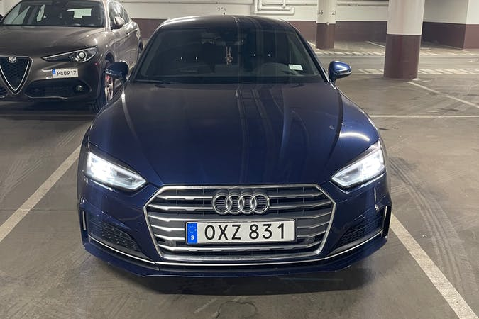 Billig biluthyrning av Audi A5 Sportback med Bluetooth i närheten av 171 71 Huvudsta.