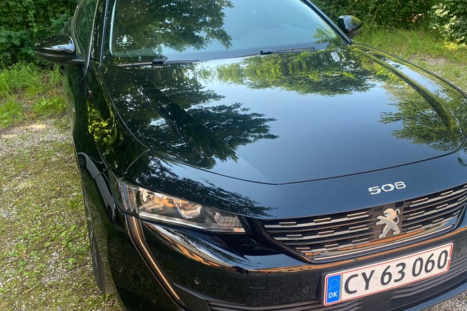 Billig billeje af Peugeot 508 med GPS nær 3520 Farum.