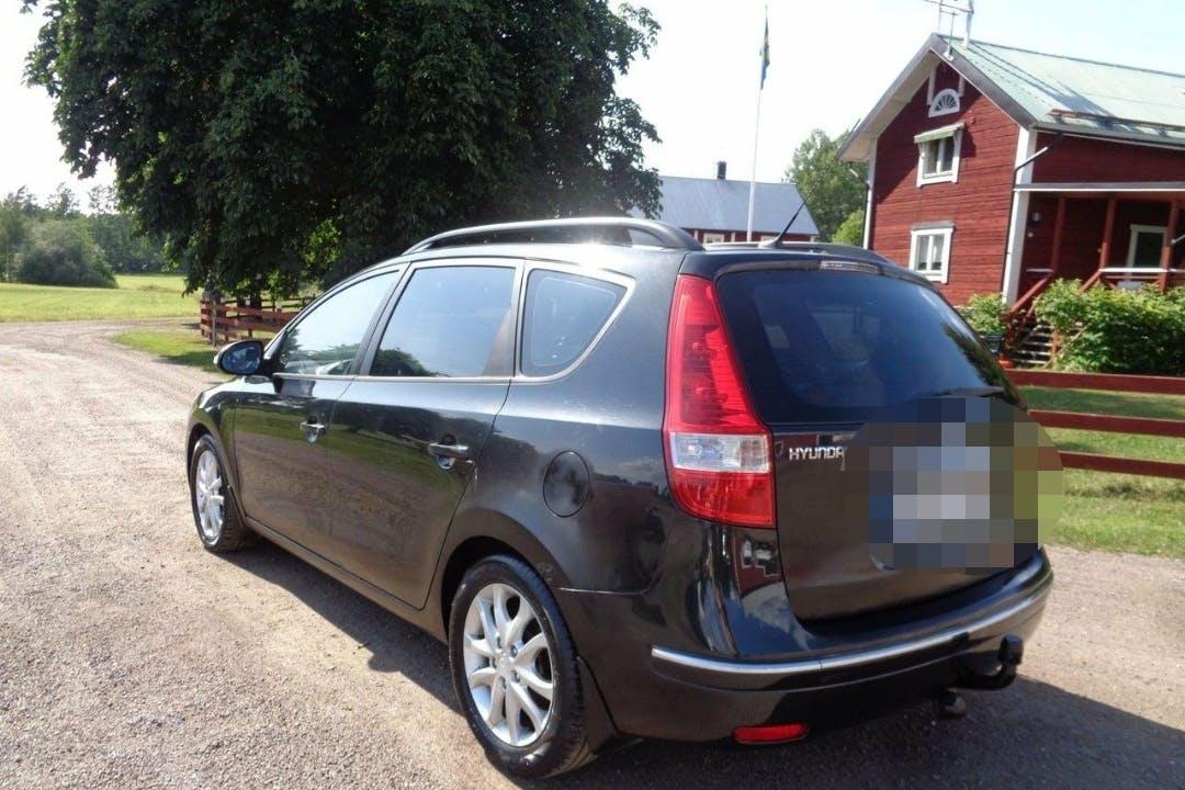 Billig biluthyrning av Hyundai i30 i närheten av  Södermalm.