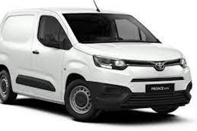 Billig billeje af Toyota ProAce med Bluetooth nær 5960 Marstal.
