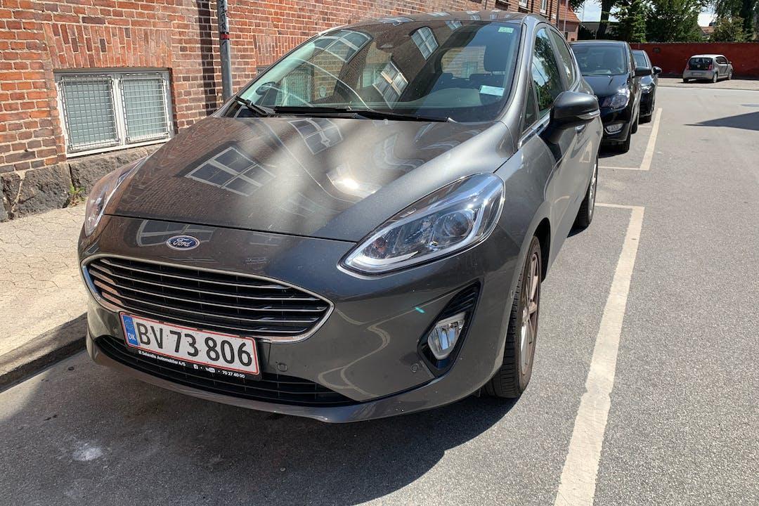 Billig billeje af Ford Fiesta med GPS nær 4000 Roskilde.