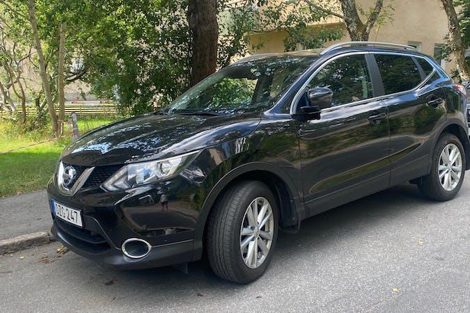 Billig biluthyrning av Nissan Qashqai med GPS i närheten av  Hammarbyhöjden.