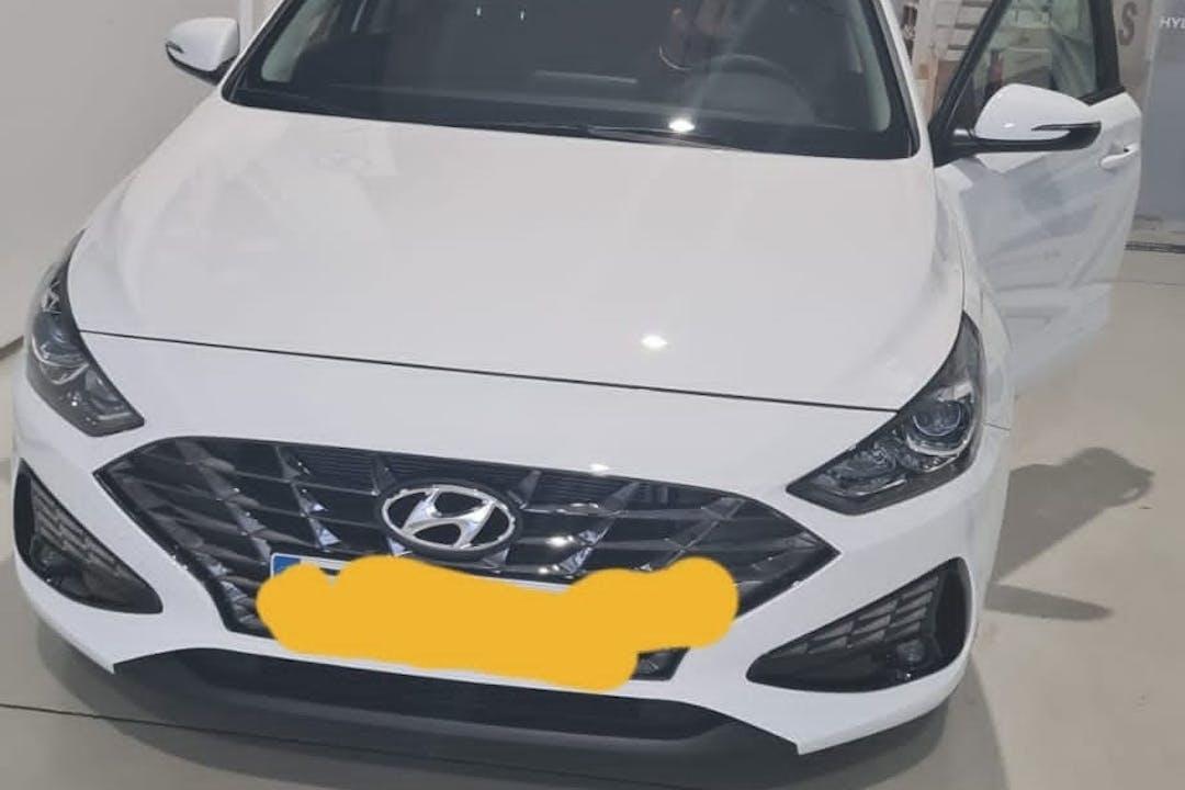 Alquiler barato de Hyundai i30 cerca de  Girona.