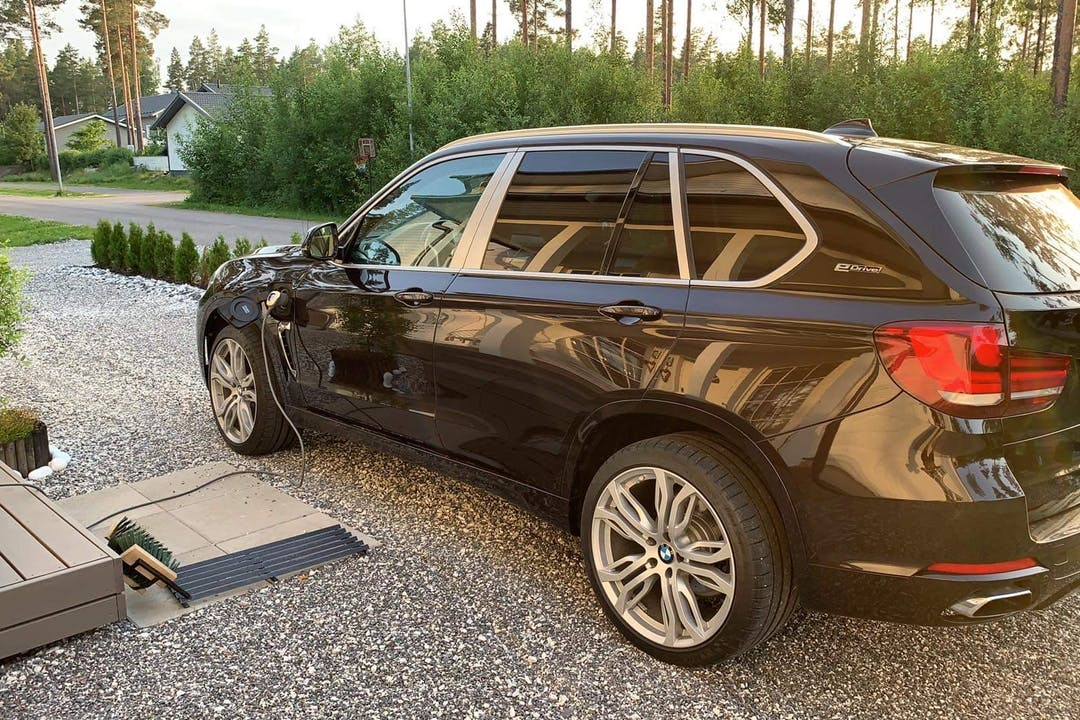 BMW X5n lalpa vuokraus lähellä 21250 Masku.