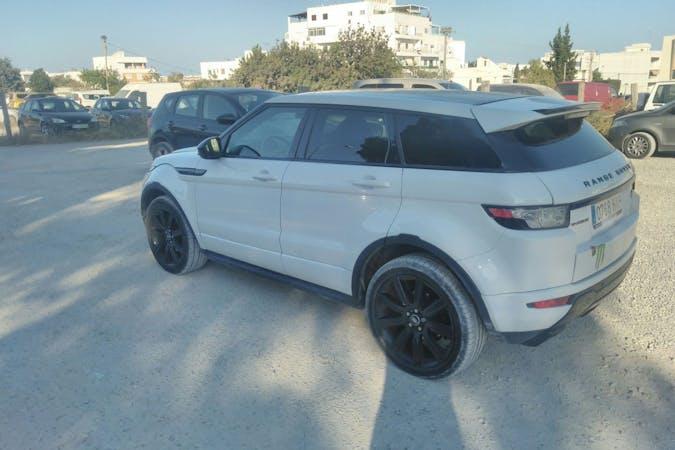 Alquiler barato de Land Rover Range Rover Evoque cerca de  Santa Eulària des Riu.