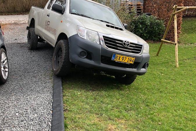 Billig billeje af Toyota Hilux nær 4600 Køge.