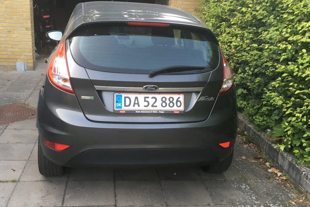 Billig billeje af Ford Fiesta med Isofix beslag nær 4600 Køge.