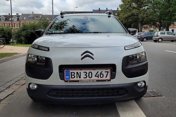 Billig billeje af Citroën C4 Cactus med Isofix beslag nær 8000 Aarhus.