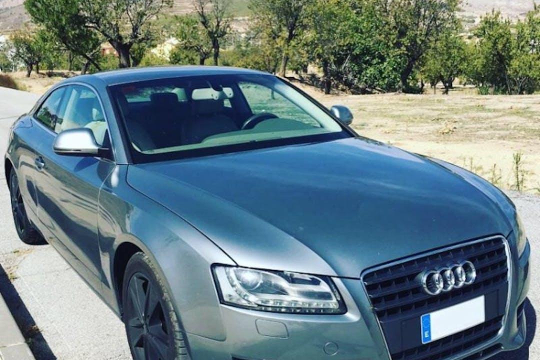 Alquiler barato de Audi A5 con equipamiento Aire acondicionado cerca de  Murcia.