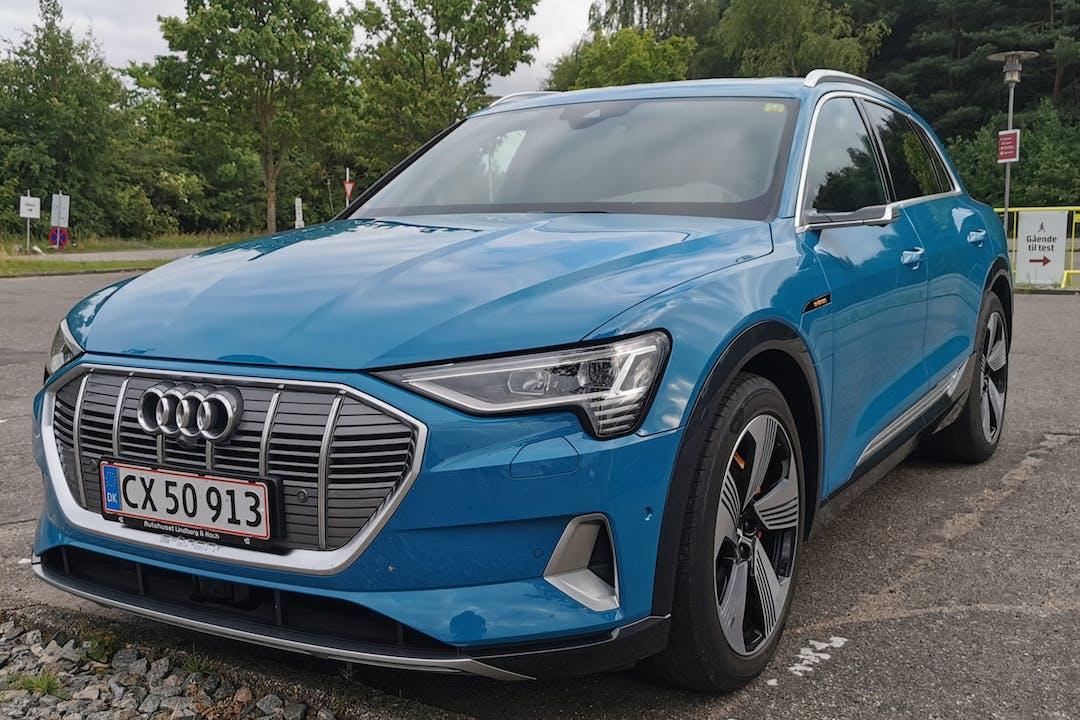 Billig billeje af Audi E-tron med GPS nær 8800 Viborg.