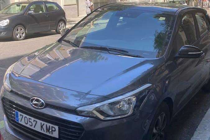 Alquiler barato de Hyundai i20 cerca de  Madrid.