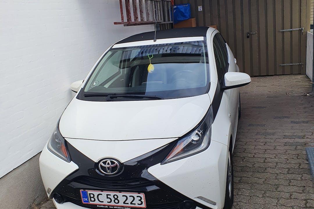 Billig billeje af Toyota AYGO nær 4030 Tune.