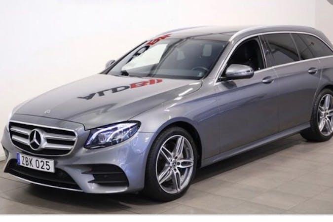Billig biluthyrning av Mercedes E-Class i närheten av 554 66 Vätternäs.