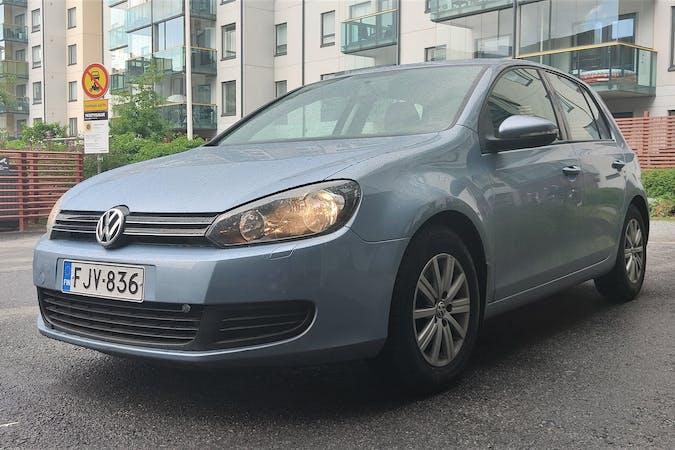 Volkswagen Golfn halpa vuokraus Isofix-kiinnikkeetn kanssa lähellä 33400 Tampere.