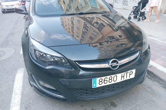 Alquiler barato de Opel Astra cerca de 46008 València.