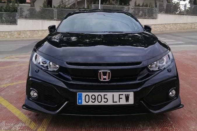 Alquiler barato de Honda Civic con equipamiento GPS cerca de 43840 Salou.