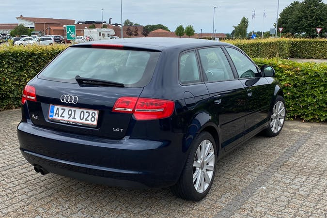 Billig billeje af Audi A3 Sportback nær 2200 København.