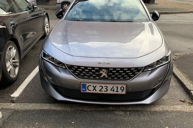 Billig billeje af Peugeot 508 med GPS nær 2200 København.