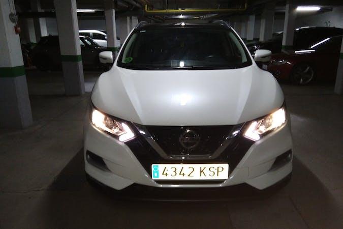 Alquiler barato de Nissan Qashqai con equipamiento GPS cerca de 28232 Las Rozas de Madrid.