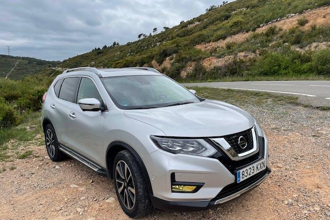 Alquiler barato de Nissan X-Trail con equipamiento GPS cerca de 08930 Sant Adrià de Besòs.