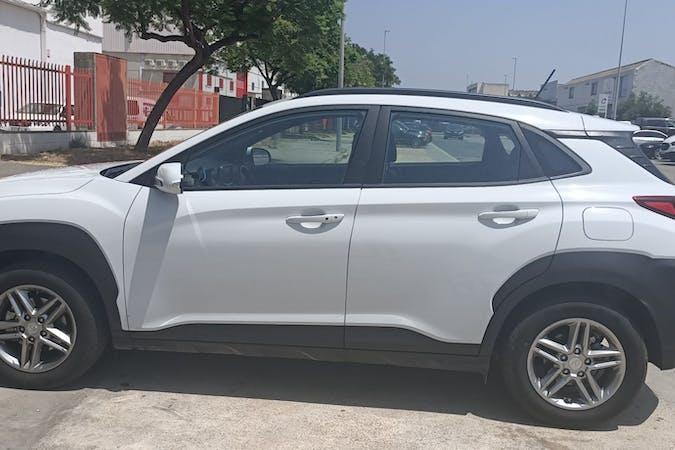 Alquiler barato de Hyundai Kona cerca de 08850 Gavà.