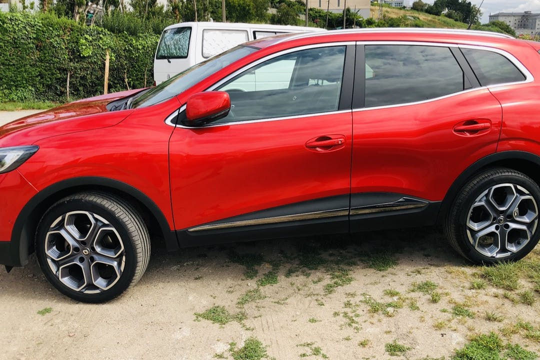 Alquiler barato de Renault Kadjar cerca de 15009 .
