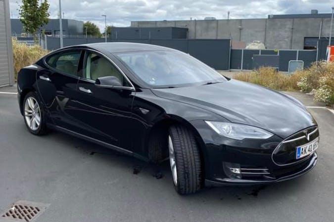 Billig billeje af Tesla Model S med GPS nær 8230 Aarhus.