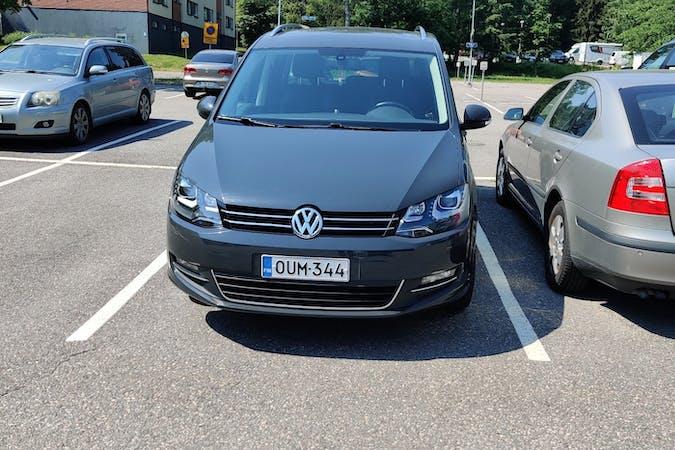 Volkswagen Sharann halpa vuokraus GPSn kanssa lähellä 02130 Espoo.