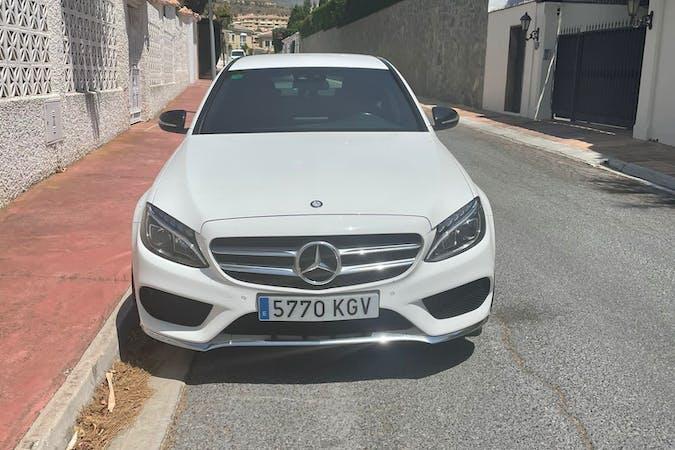 Alquiler barato de Mercedes C-Class con equipamiento GPS cerca de 29004 .