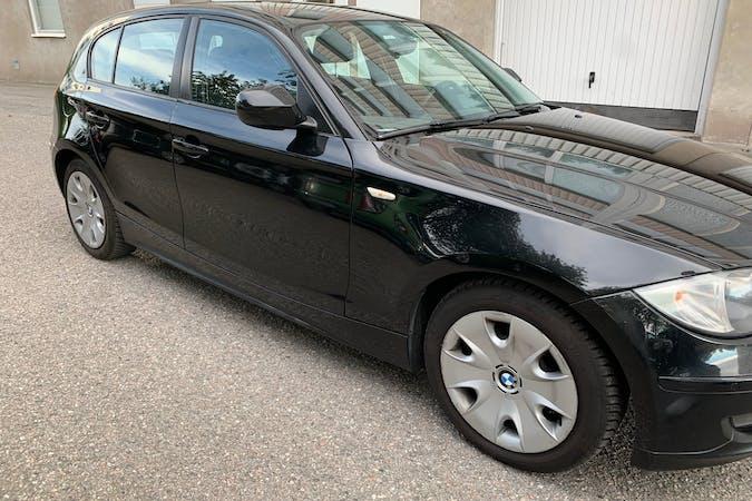 Billig biluthyrning av BMW 1 Series med Bluetooth i närheten av 632 25 Västermalm-Nyfors.