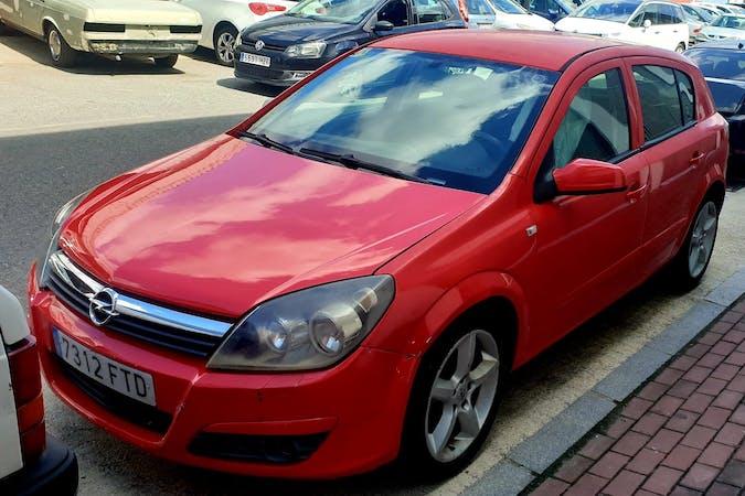 Alquiler barato de Opel Astra cerca de 41702 Dos Hermanas.