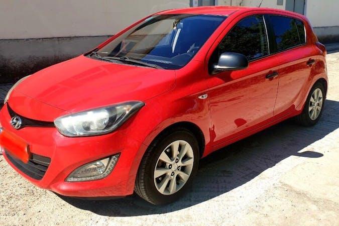 Alquiler barato de Hyundai i20 cerca de 08013 Barcelona.