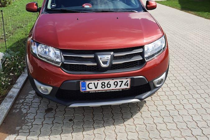 Billig billeje af Dacia Sandero Stepway med GPS nær 7080 Børkop.