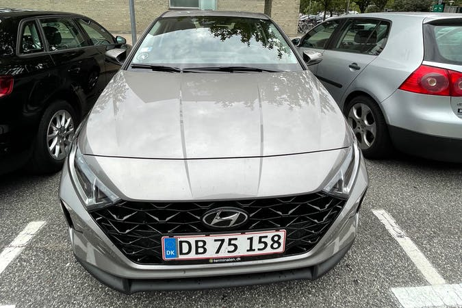 Billig billeje af Hyundai i20 med Bluetooth nær 2450 København.