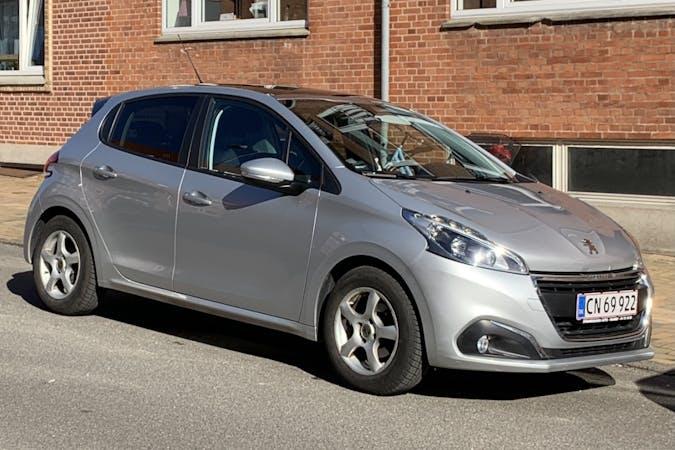 Billig billeje af Peugeot 208 med Isofix beslag nær 5000 Odense.