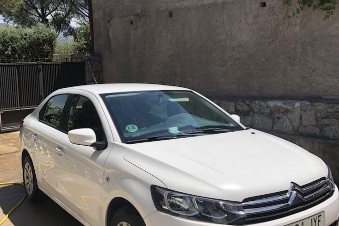 Alquiler barato de Citroën C-Elysee con equipamiento Fijaciones Isofix cerca de 28011 Madrid.