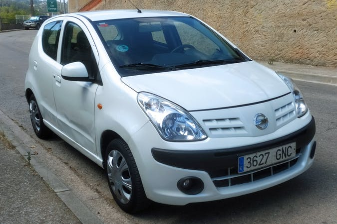 Alquiler barato de Nissan Pixo con equipamiento Fijaciones Isofix cerca de 08908 L'Hospitalet de Llobregat.