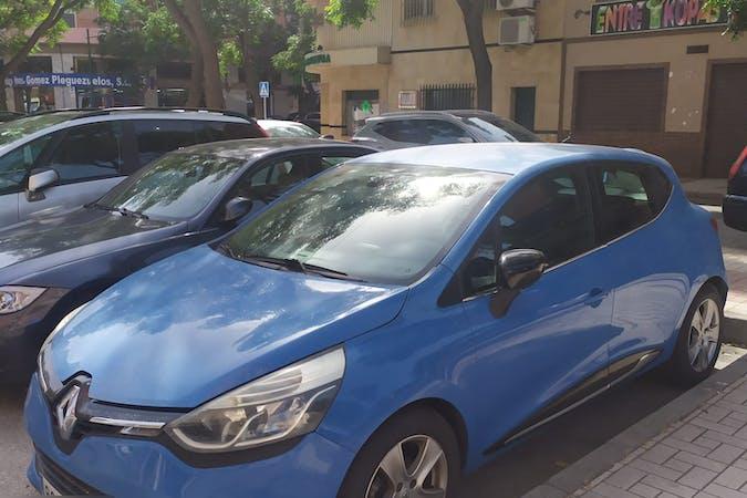 Alquiler barato de Renault Clio con equipamiento GPS cerca de 29003 Málaga.